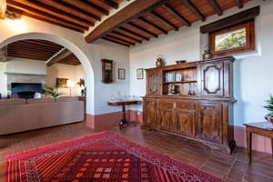 Photos and immages of the interior and exterior of the agritursimo in Cortona, Arezzo, Tuscany